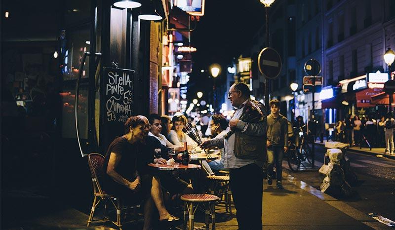 Paris ambiance nuit blache