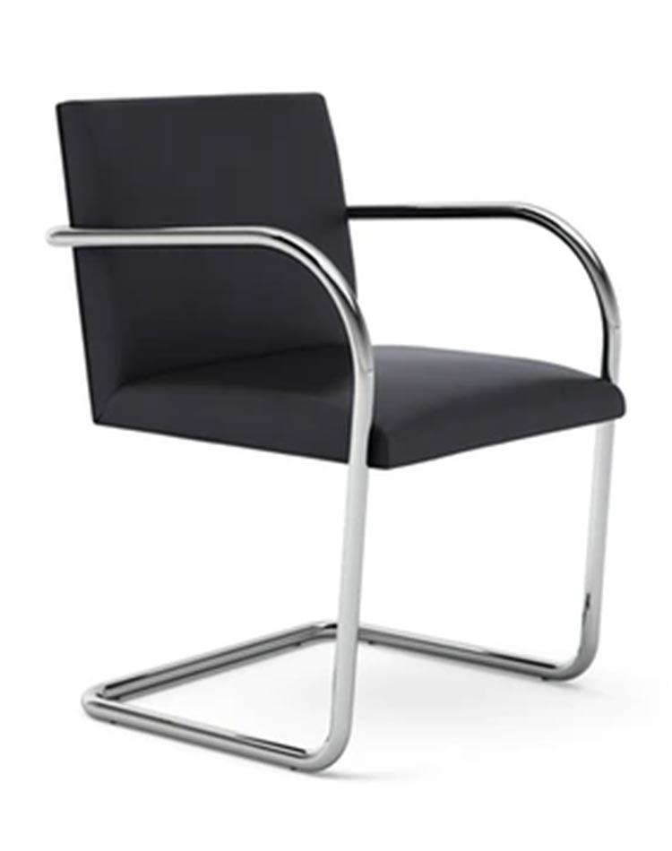 chaise Bauhaus BRNO en cuir noir de mies van der rohe