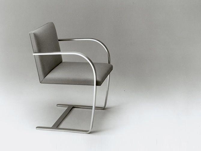 fauteuil BRNO en noir et blanc