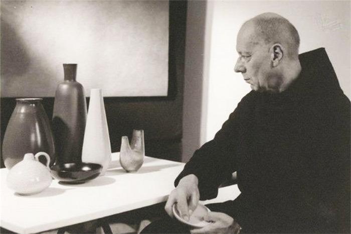 Theodor Bogler du Bauhaus, en habits de moine bénédictin