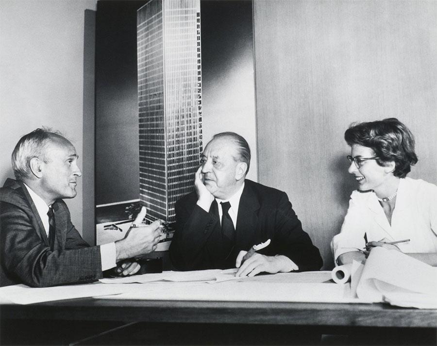 Mies van der Rohe en réunion design